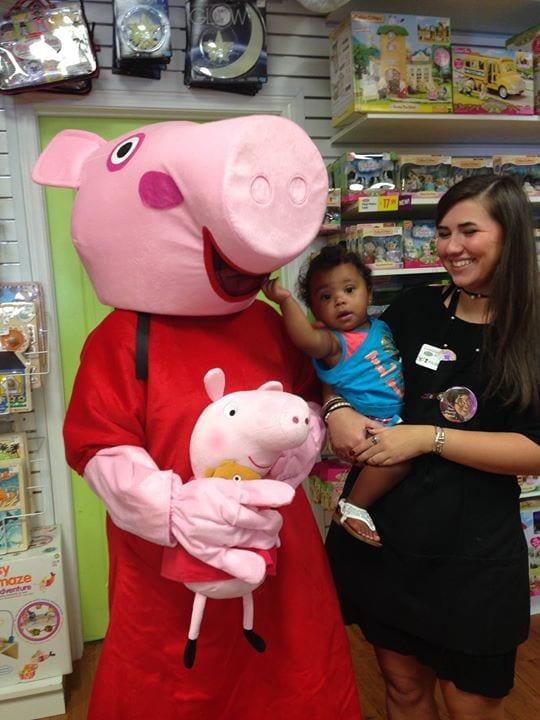 Meet greet with peppa pig rocket city mom venue m4hsunfo